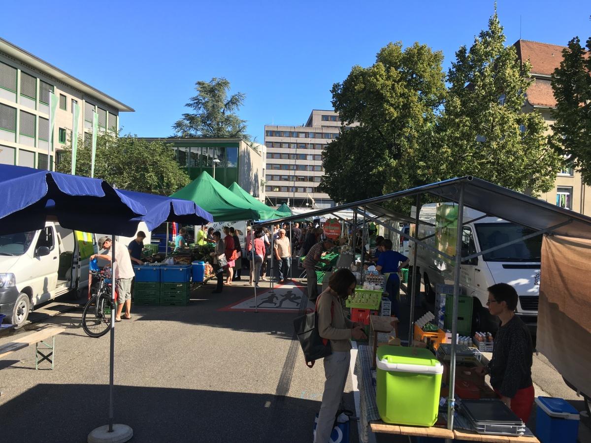 Der Samstagsmarkt an derBifangstrasse