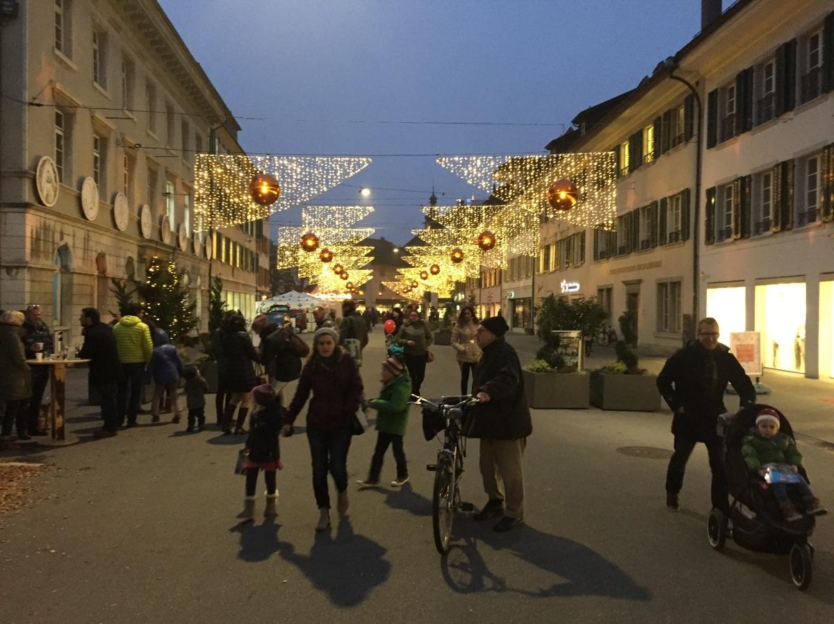 Apéro zur Eröffnung der Weihnachtsbeleuchtung