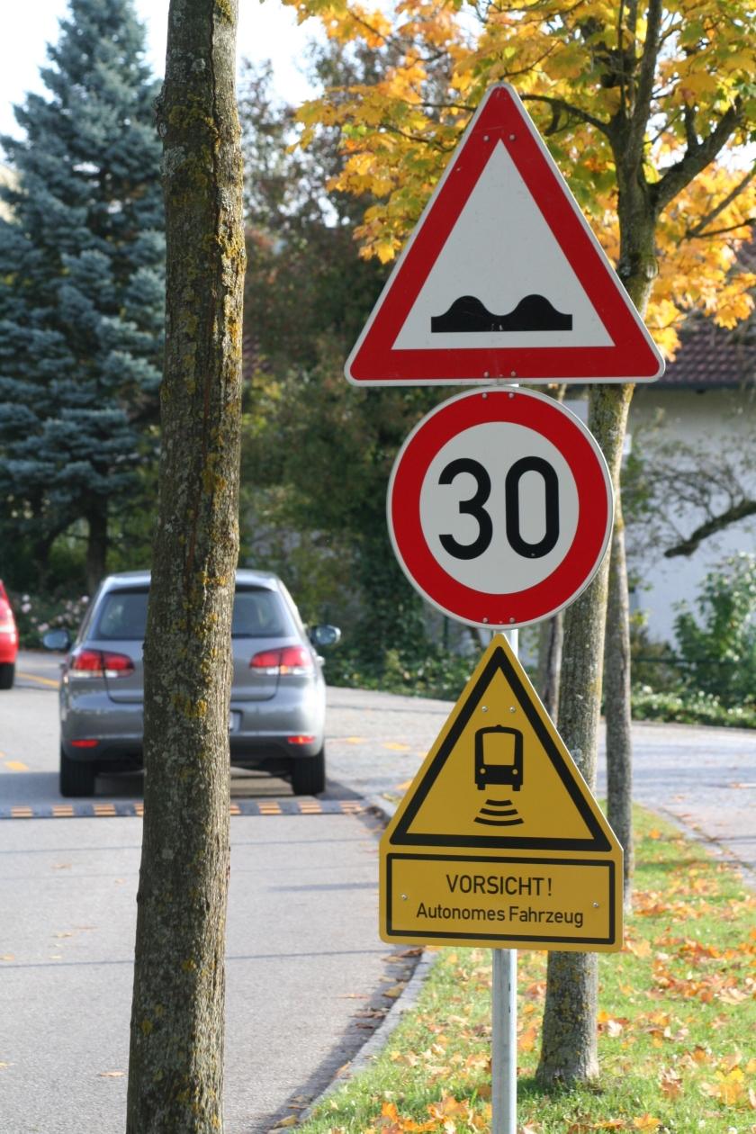 Hinweisschild für Autofahrer in Bad Birnbach